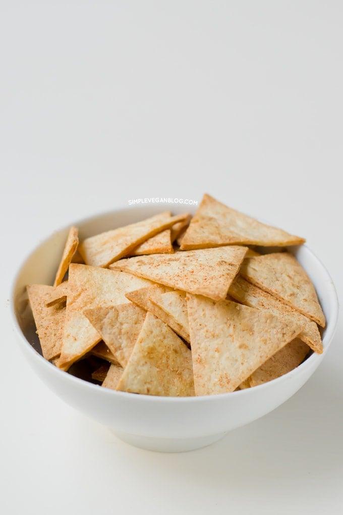 Baked tortilla chips | simpleveganblog.com #simpleveganblog #vegan