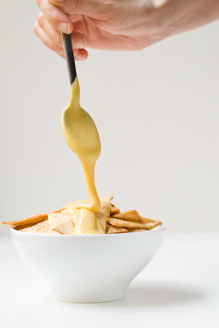 Vegan Cheese - Ce fromage végétalien a le goût du vrai fromage. Il est également sans gluten, peu coûteux et les ingrédients sont faciles à obtenir. C'est une alternative saine au fromage.