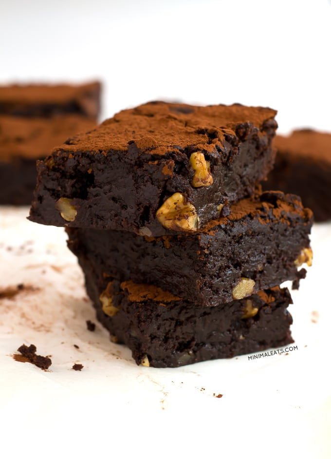 Fudgy Vegan Glutenfree Brownie | simpleveganblog.com