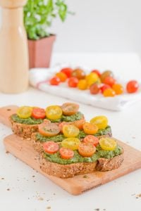 Vegan pesto bruschetta