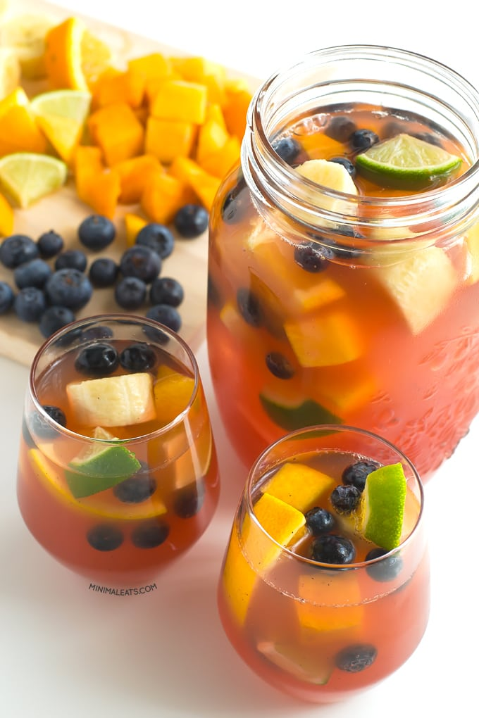 Non alcoholic sangria | minimaleats.com #vegan #recipe #minimaleats #glutenfree