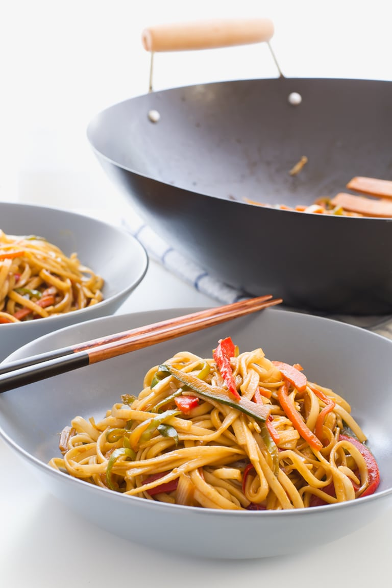 Vegan Stir Fried Udon Noodles. This 15 minute stir fry is so easy and so delicious!