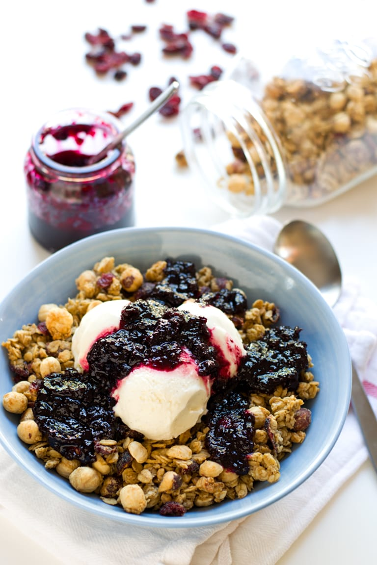 Peanut Butter Granola. Breakfast is the most important meal of the day, but you can eat healthy and also enjoy your breakfast. Try this peanut butter granola, it's delicious!