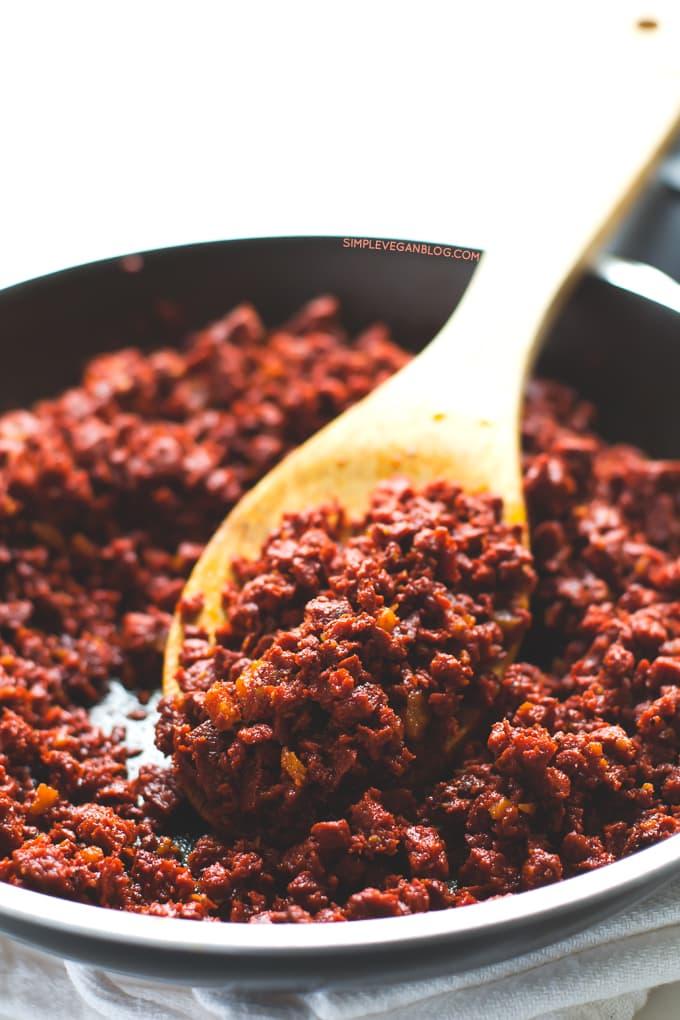 Vegan Chorizo Queso Dip   simpleveganblog.com #simpleveganblog #vegan #recipe