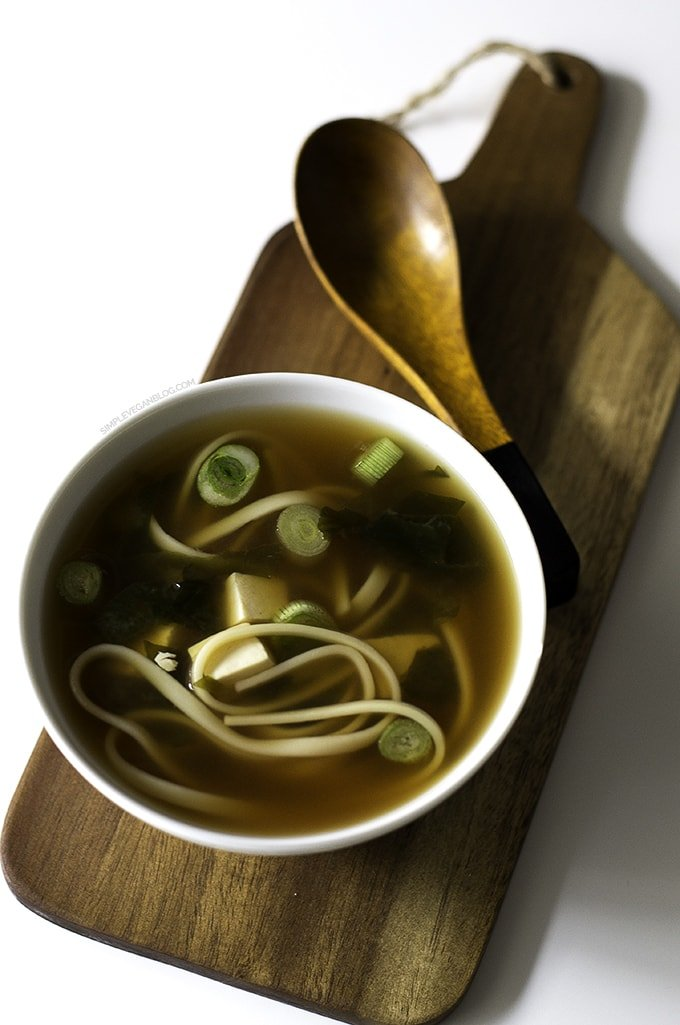 15 Minute Simple Vegan Miso Soup