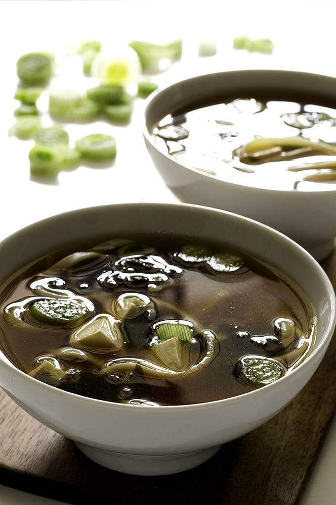 how to make soup from wakame