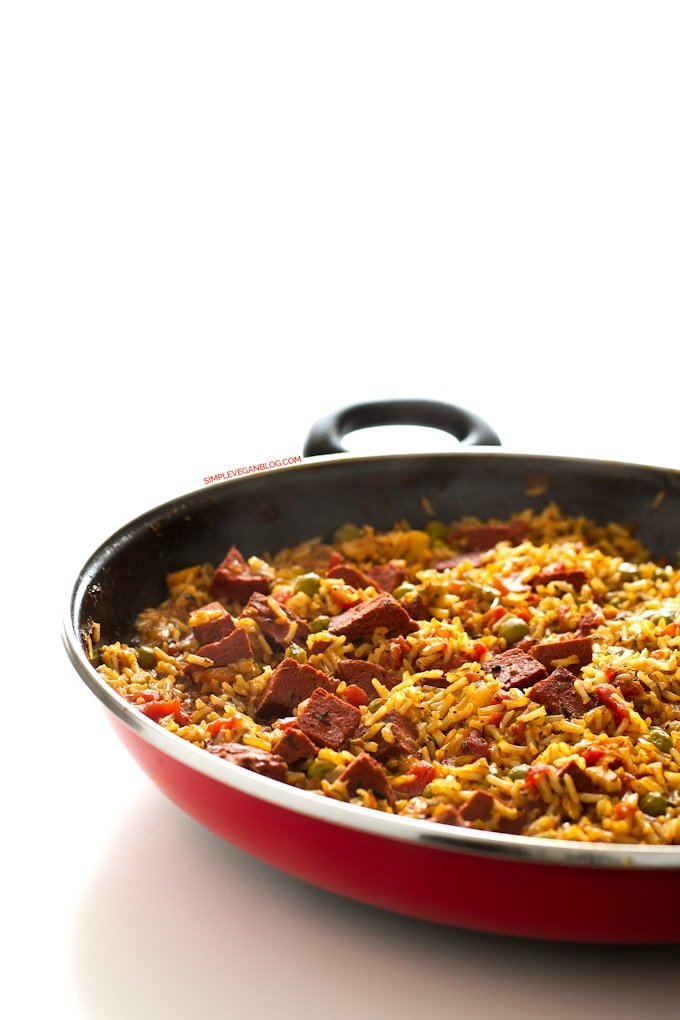 Simple Vegan Spanish Rice with Chorizo