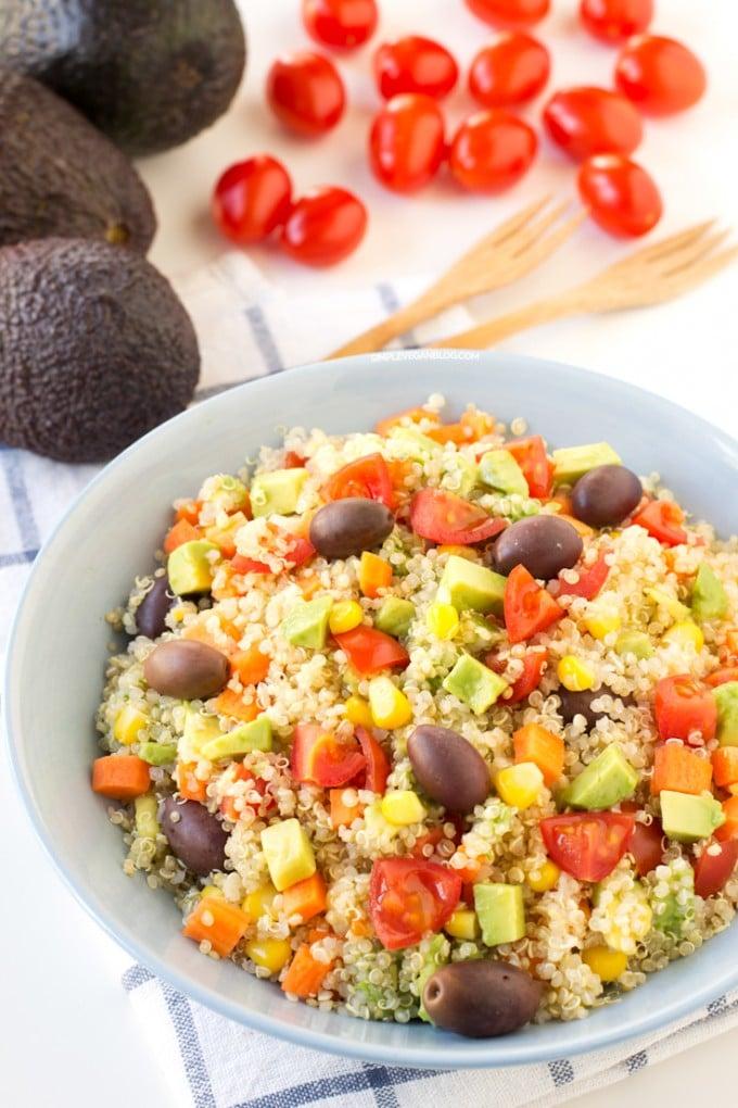 Simple Vegan Quinoa Salada