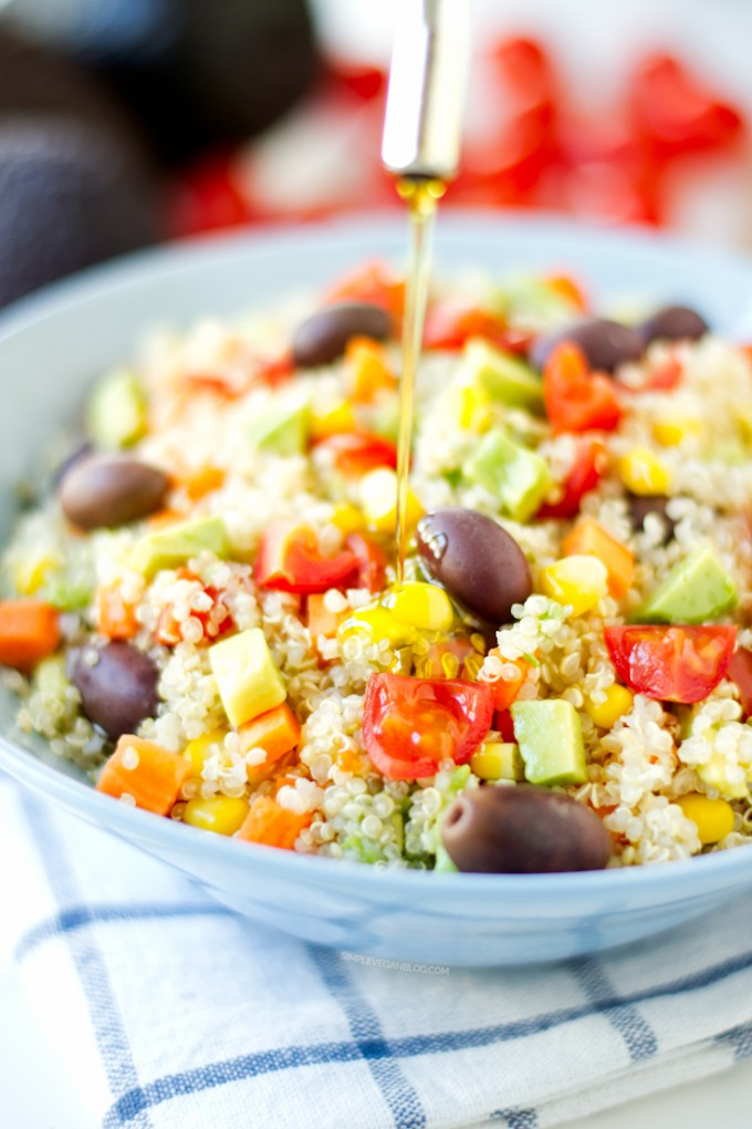 Simple-vegan-quinoa-salad-5