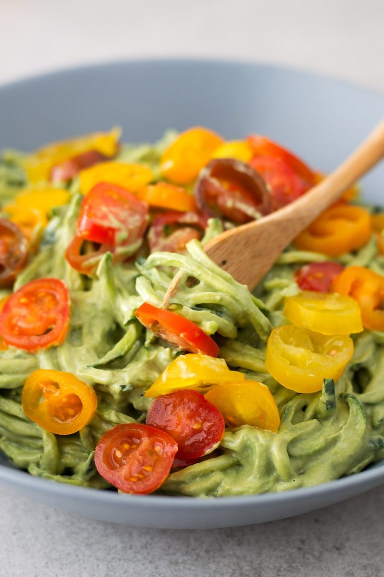 Zucchini noodles with avocado sauce simple vegan blog zucchini noodles with avocado sauce these delicious zucchini noodles or zoodles with avocado forumfinder Gallery