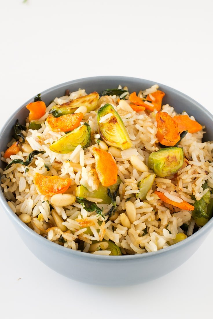 Brussels sprout fried rice | simpleveganblog.com #vegan #glutenfree