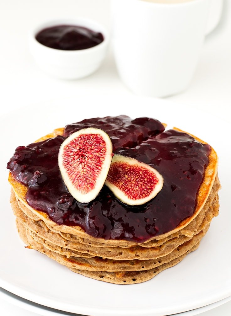 Oil free pancakes with jam (V and GF) | simpleveganblog.com #vegan #glutenfree #oilfree