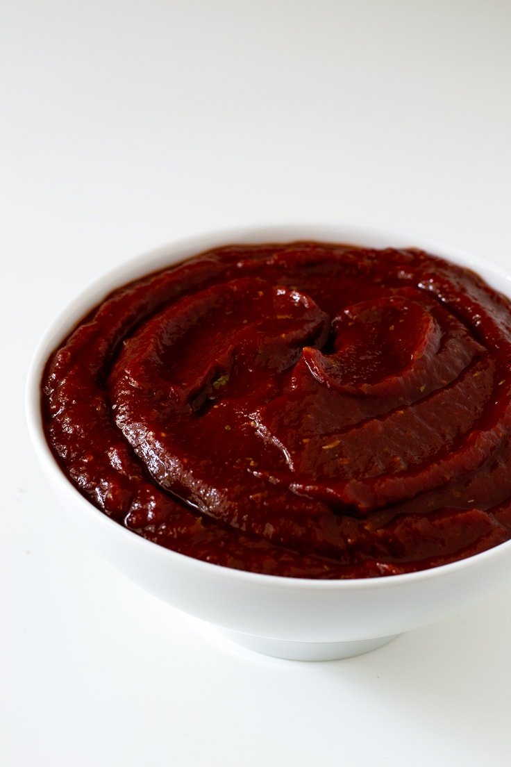 2-Minute healthy ketchup | simpleveganblog.com #vegan #glutenfree #healthy