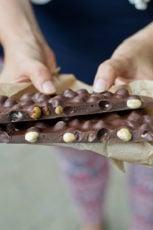 Vegan chocolate bar with hazelnuts from Elizondo (Spain)