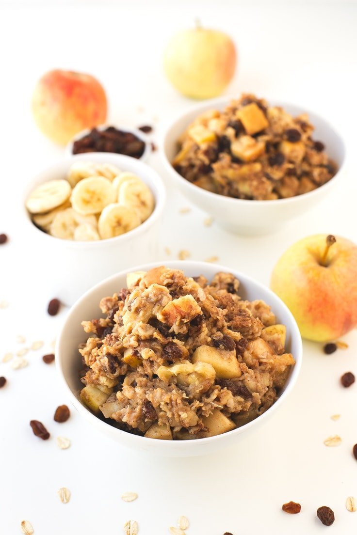 Apple pie baked oatmeal recipe | simpleveganblog.com #vegan #breakfast ...