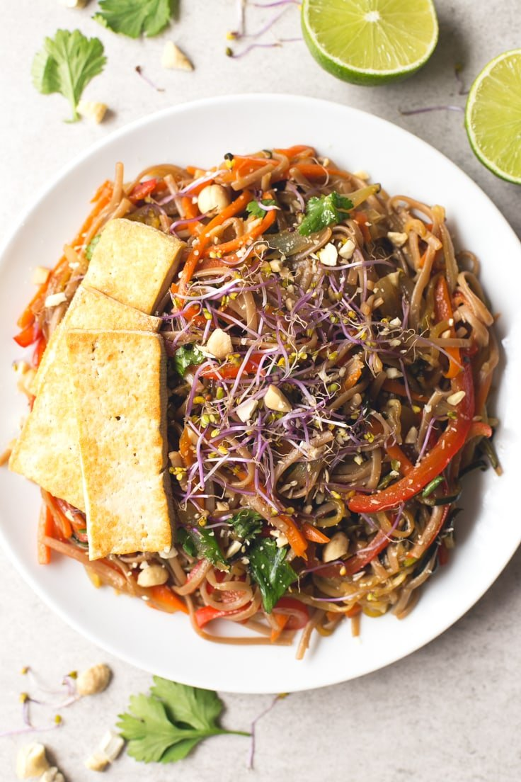 Vegan Pad Thai recipe | simpleveganblog.com #vegan #glutenfree #healthy