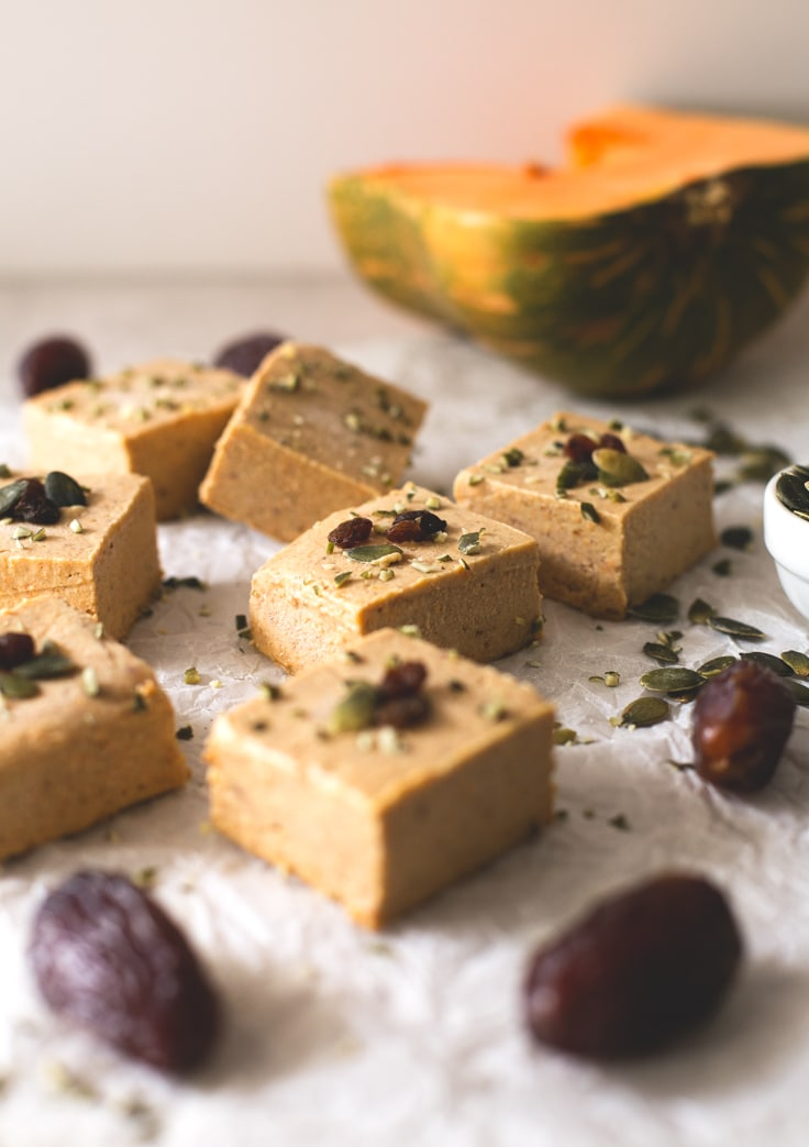 Vegan pumpkin pie fudge recipe | simpleveganblog.com #vegan #glutenfree