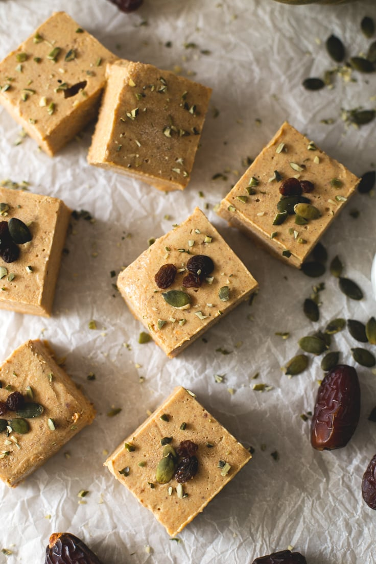 Vegan pumpkin pie fudge | simpleveganblog.com #vegan #glutenfree
