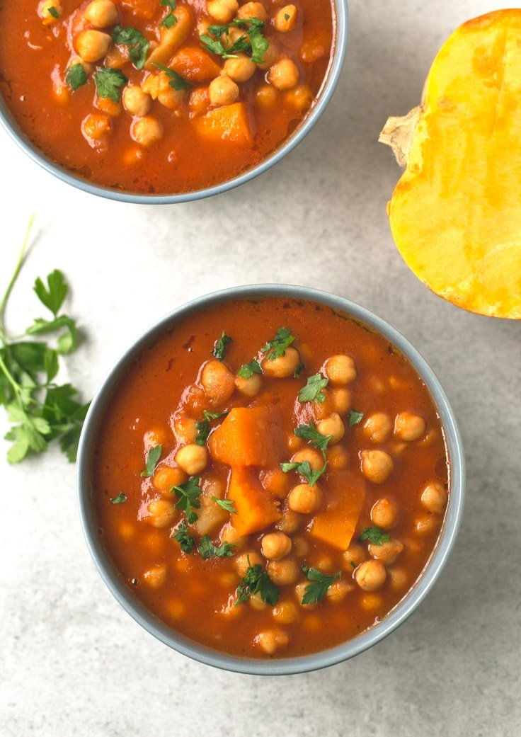 Spanish chickpea stew - You need to give this Spanish pumpkin and chickpea stew a try! It's so comforting, satisfying and easy to make. You're going to love it!