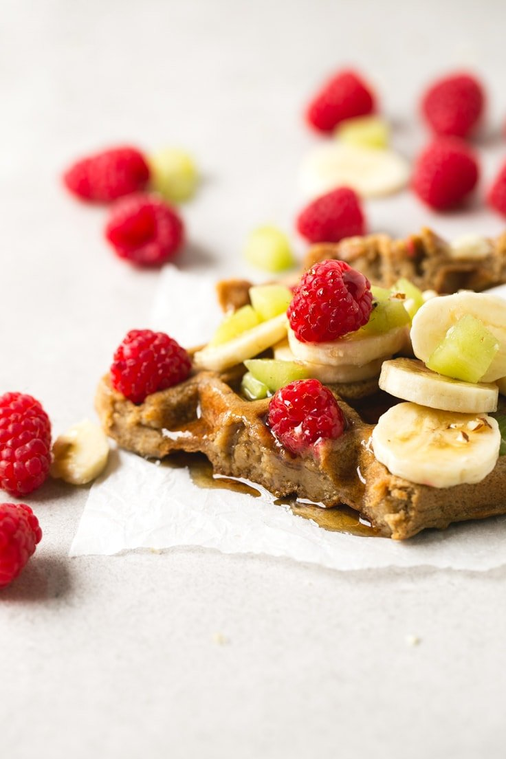 Vegan waffles - 4-ingredient vegan gluten-free waffles! They're so delicious, healthy and easy to make. Hope you try this recipe! Feel free to add your favorite toppings.