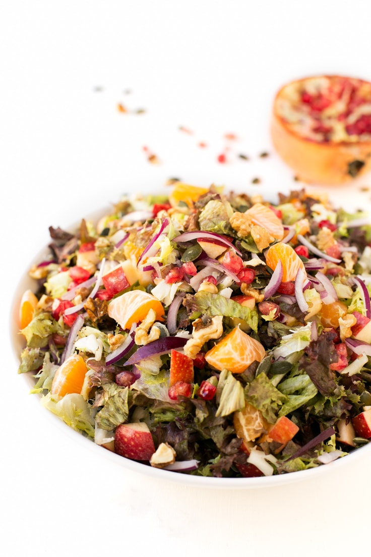 Vegan Christmas salad - This vegan Christmas salad is unbelievable! It's delicious, super easy to make and perfect for especial occasions.