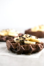 Vegan gluten-free chocolate waffles - These vegan gluten free chocolate waffles are great to start your morning enjoying a delicious, super healthy, nutritious meal.