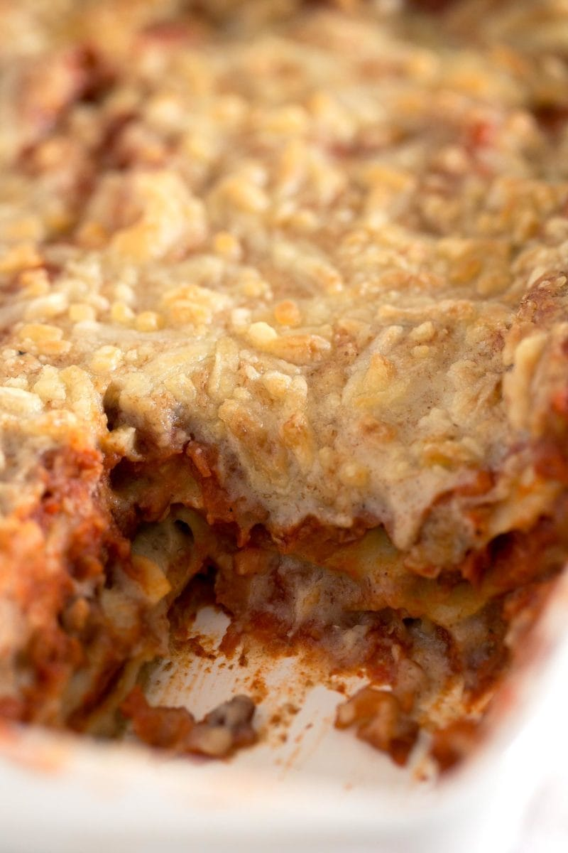 Vegan Lasagna.- Homemade vegan lasagna is pretty easy to make and although is not the healthiest recipe in the world, it's healthier and lighter than the traditional one.