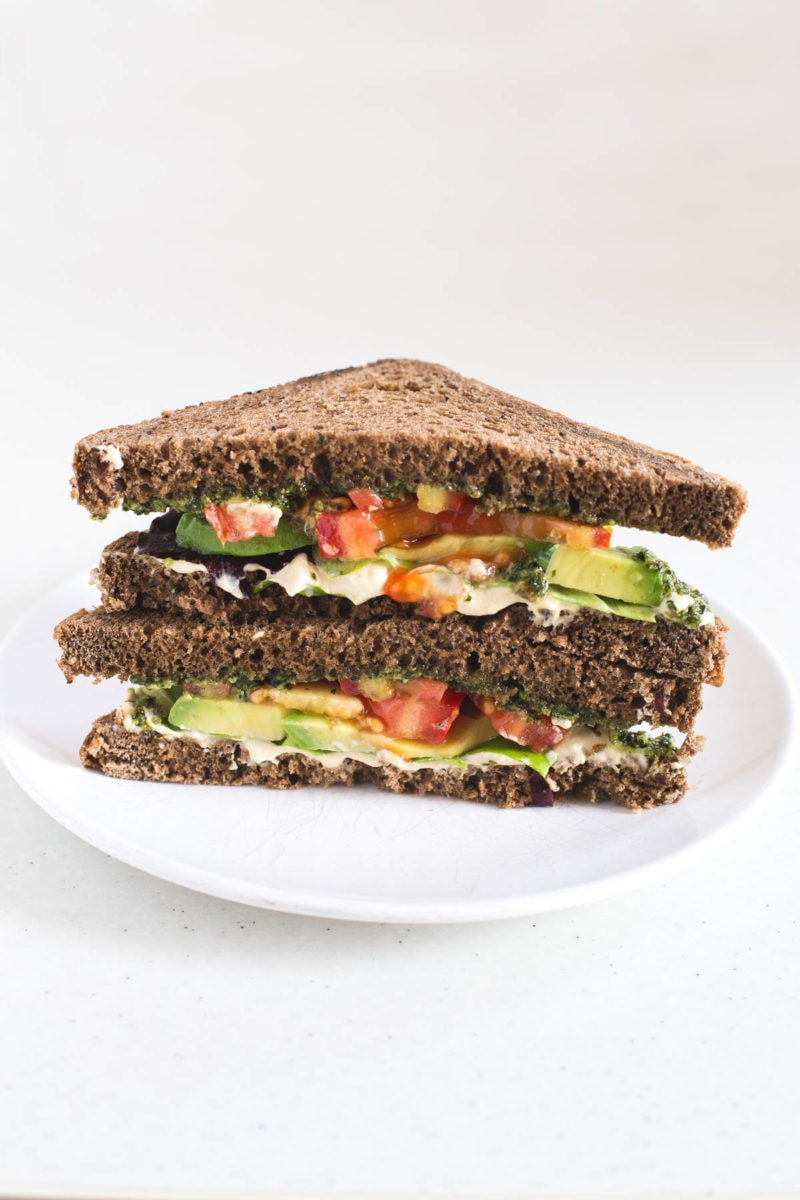 Vegan Pesto, Hummus, Avocado Sandwich - To make this sandwich I used some of my favorite ingredients in the whole world: vegan pesto, hummus and avocado. It's amazing!