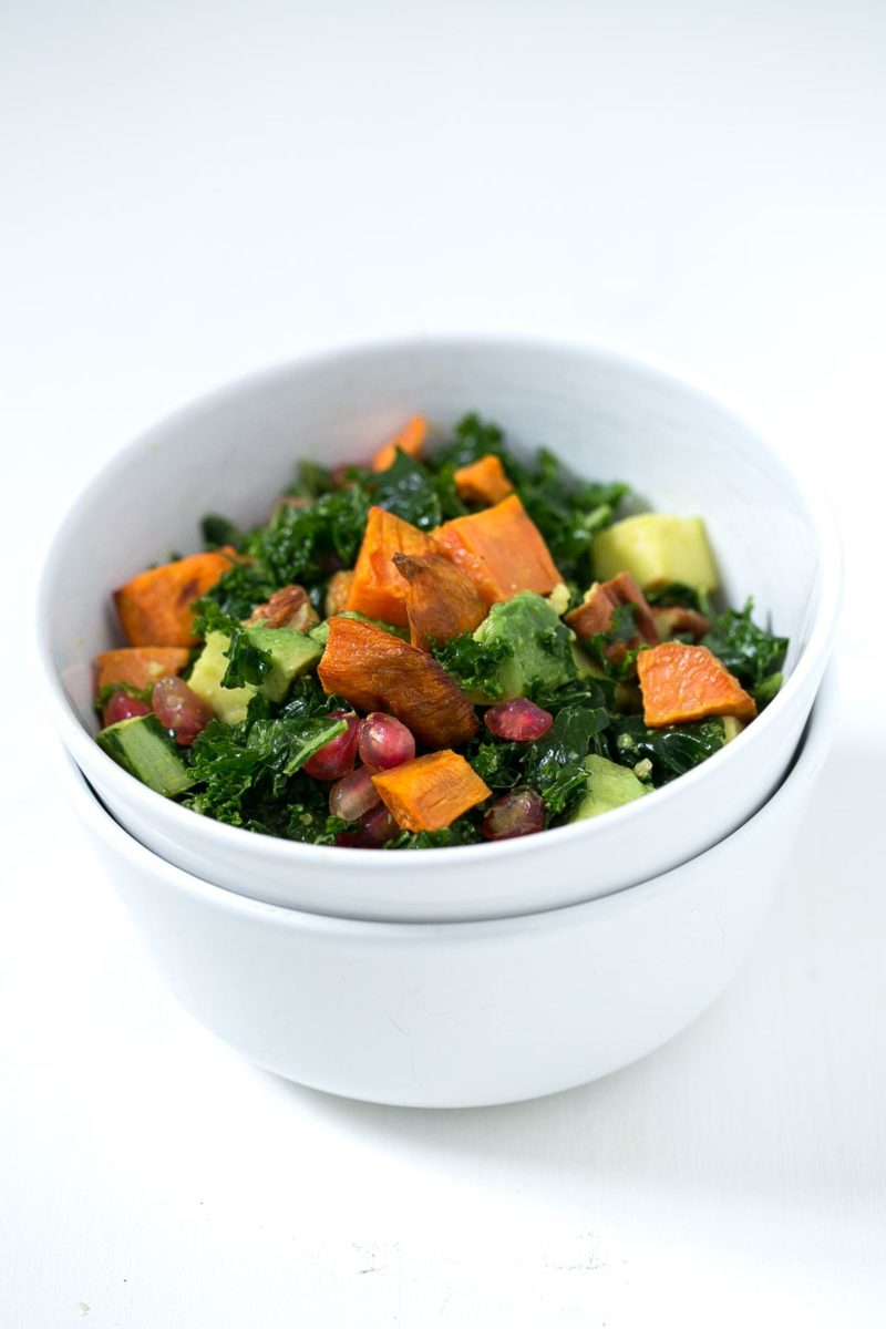 Simple Kale Salad with Turmeric Tahini Dressing. - This simple kale salad is made using autumn produce and a delicious turmeric tahini dressing. It's perfect to eat on the go!