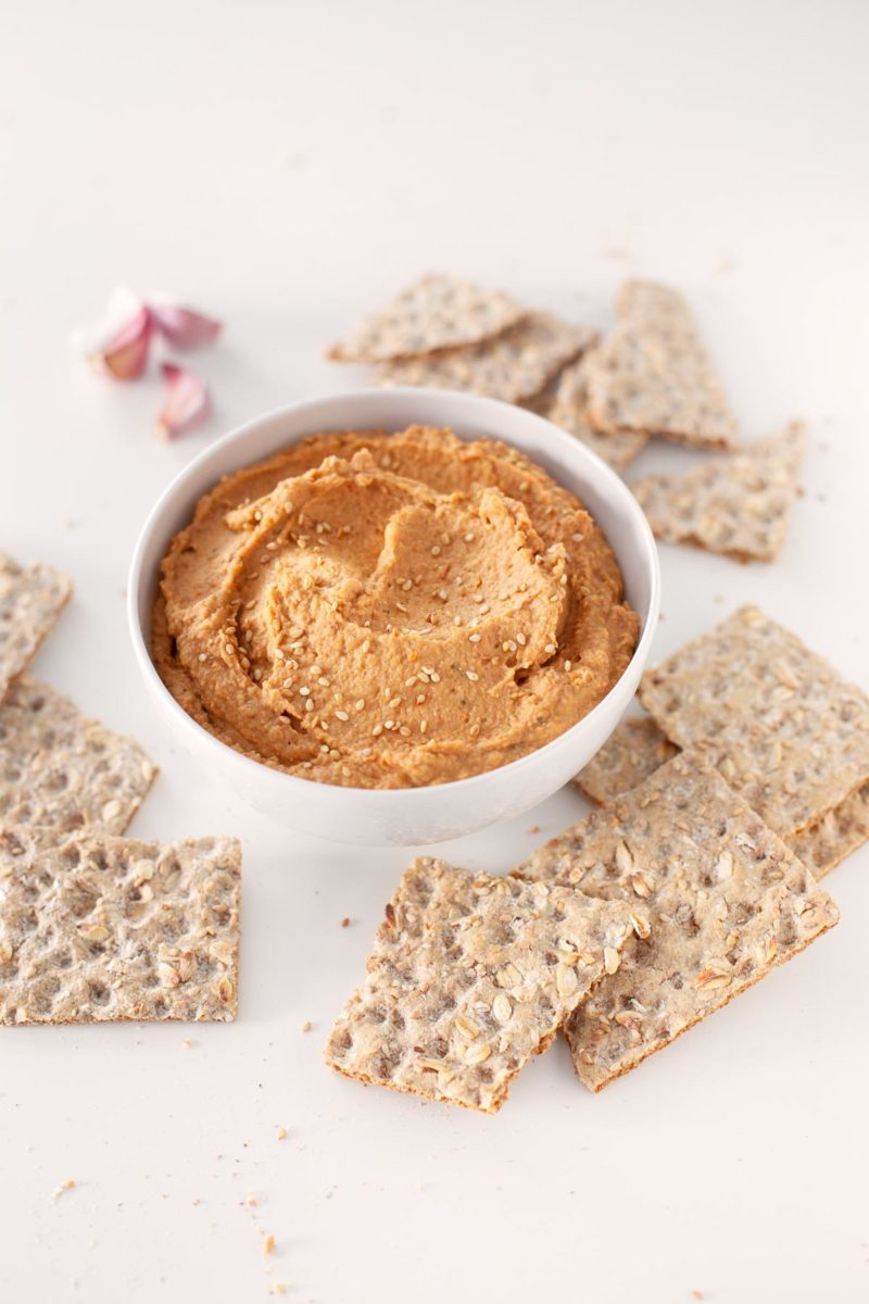 5-Minute Lentil Dip. - This 5-minute lentil dip is so tasty and really smooth. Eat it with some crudités, bread or tortilla chips or use it to make delicious sandwiches or toasts.