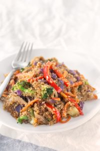 Quinoa Stir Fry with Vegetables. - Save some time cooking big batches of quinoa or rice to make healthy meals during the week, like this quinoa stir fry with vegetables. It's so tasty!