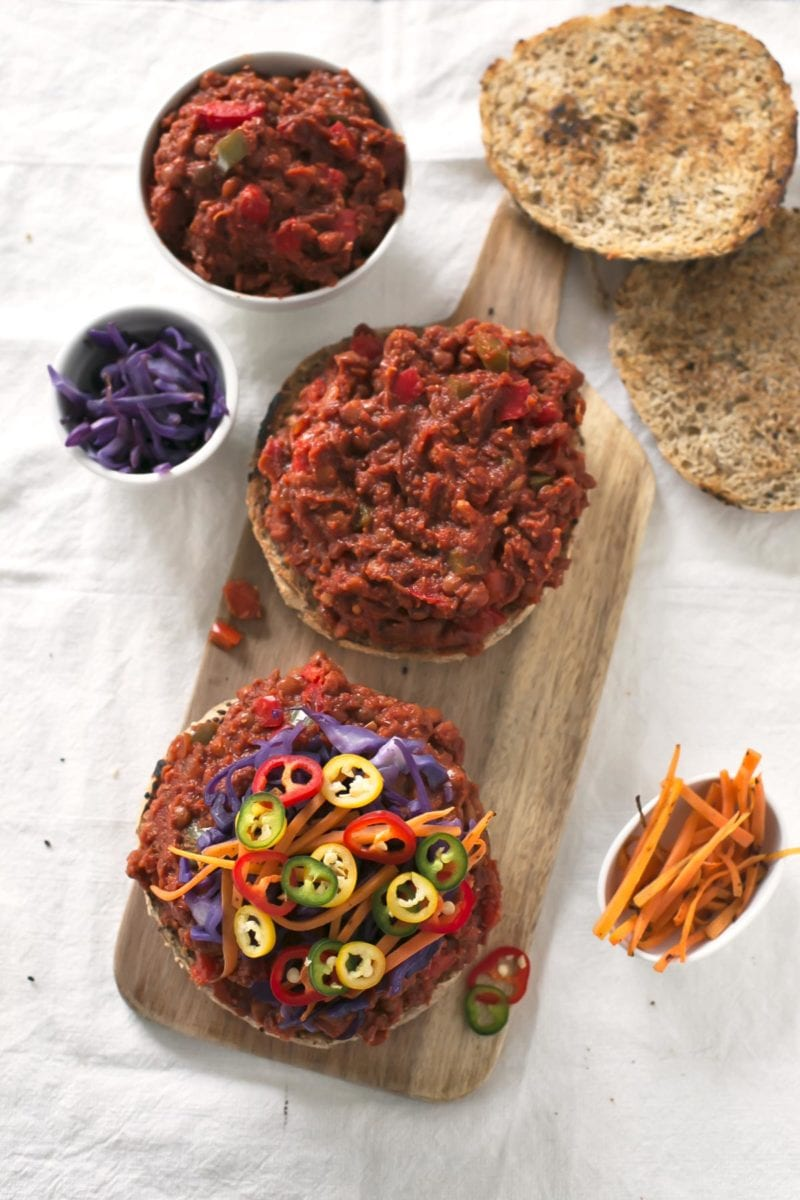 Vegan Sloppy Joes.- These delicious sloppy joes are vegan, super easy to make and require less than 30 minutes. I think they are the best sandwiches I've ever tried!