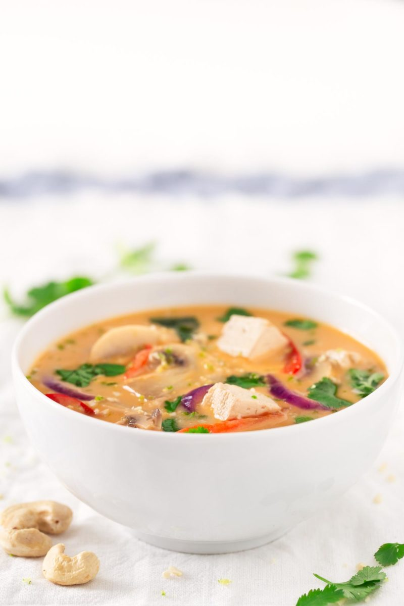 Vegan Thai Soup.- You only need one pot to make this delicious vegan Thai soup. It's made with easy to get ingredients and you can add your favorite veggies.