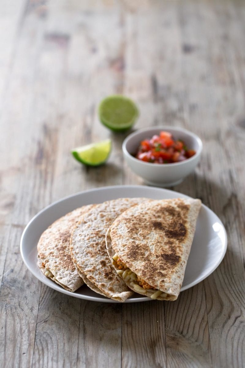 Vegan Quesadillas.- These vegan quesadillas taste like heaven and are ready in less than 30 minutes. Give this recipe a try, you're going to love it!