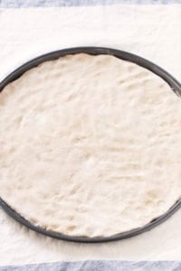 3 Ingredient Gluten Free Pizza Crust.- This vegan, gluten-free pizza crust is so easy to make and also yeast and fat-free. Besides, it requires just 3 ingredients.
