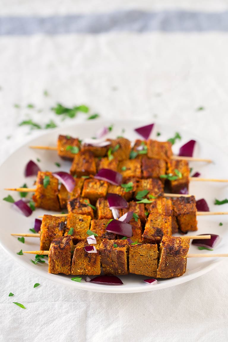 Vegan Pinchos Morunos (Spanish Skewers).- These vegan pinchos morunos or Spanish skewers are so easy to make. They're low in fat, high in protein and so tasty. You need to try them!
