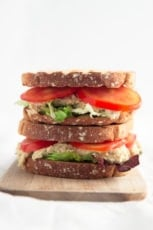 Vegan Tuna Sandwich - This vegan tuna sandwich is ready in less than 10 minutes. It's a delicious, simple and healthy lunch recipe, perfect to bring to work or school.