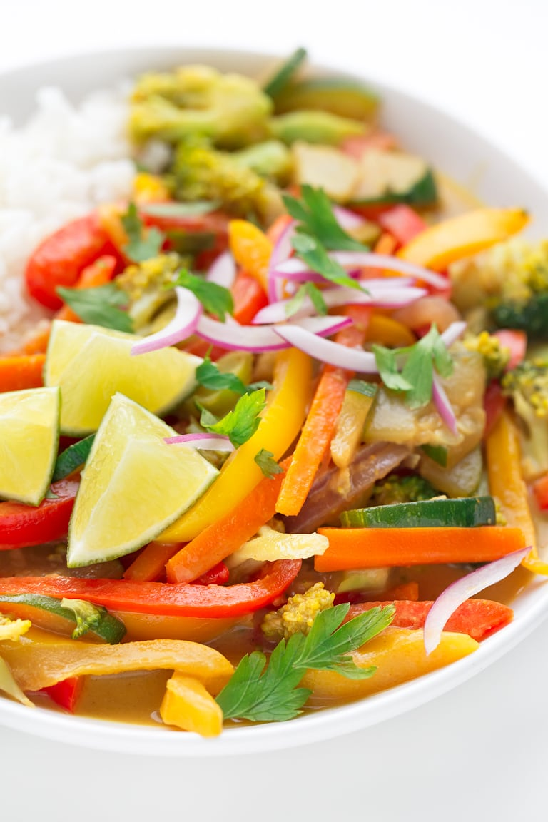 Simple Vegetable Curry. - This simple vegetable curry is a delicious side dish. I usually serve it with some white rice, but any grain or legume will do. It's ready in 20 minutes!