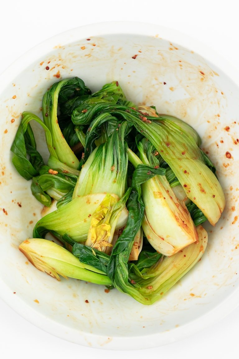 How To Make Bok Choy. - Learn how to make bok choy to enjoy this delicious and nutritious veggie, Asian-style. It's a simple recipe, made with 7 ingredients. #vegan #glutenfree #simpleveganblog
