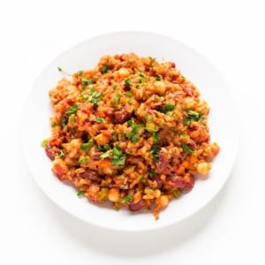 Simple Vegan Jambalaya - This simple vegan jambalaya is a super tasty, satisfying and nutritious dish. It's a delicious dinner recipe, which is also oil-free and very low in fat.