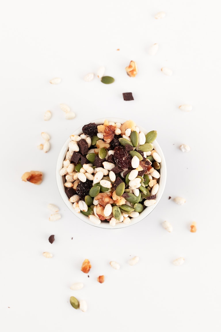 Vegan Gluten Free Trail Mix. - Vegan gluten-free trail mix, made with just 5 ingredients in less than 5 minutes. It's a delicious snack, so nutritious and convenient to eat on the go. #vegan #glutenfree #simpleveganblog