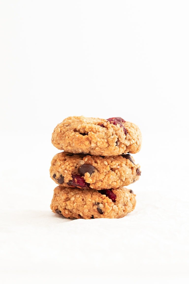 Vegan Trail Mix Cookies (Gluten Free). - Vegan, gluten-free trail mix cookies, made with 10 ingredients in 25 minutes. They're a delicious and healthy snack or dessert, perfect to eat on the go. #vegan #glutenfree #simpleveganblog