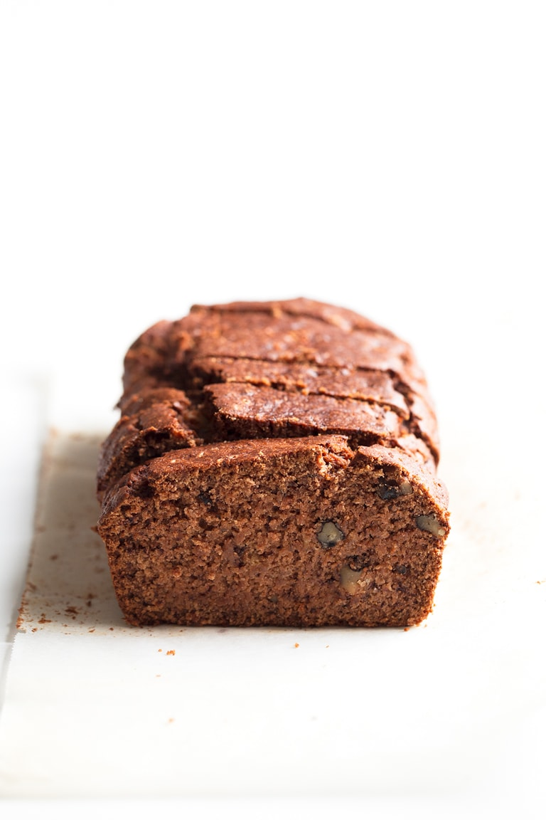 Vegan Gluten Free Banana Bread - This vegan gluten banana bread is so delicious, healthy, moist, satisfying and made with simple ingredients. It's the perfect breakfast or dessert recipe!