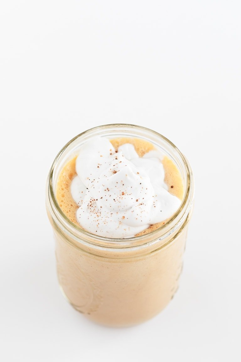 Vegan Pumpkin Spice Latte. - Vegan pumpkin spice latte, a healthier version of the classic Starbucks drink, made with natural ingredients and topped with coconut whipped cream. #vegan #glutenfree #simpleveganblog