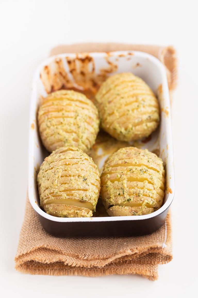 Vegan Hasselback Potatoes (Oil-Free) - Vegan Hasselback potatoes, a delicious vegan, gluten-free and oil-free side dish or appetizer, which is also so healthy and super easy to make. #vegan #glutenfree #simpleveganblog