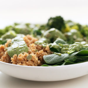 Green Goddess Bowl - Green goddess bowl, a delicious and super healthy entrée with quinoa, edamame beans, veggies, seeds and chimichurri sauce. It only requires 30 minutes and 7 ingredients! #vegan #glutenfree #simpleveganblog