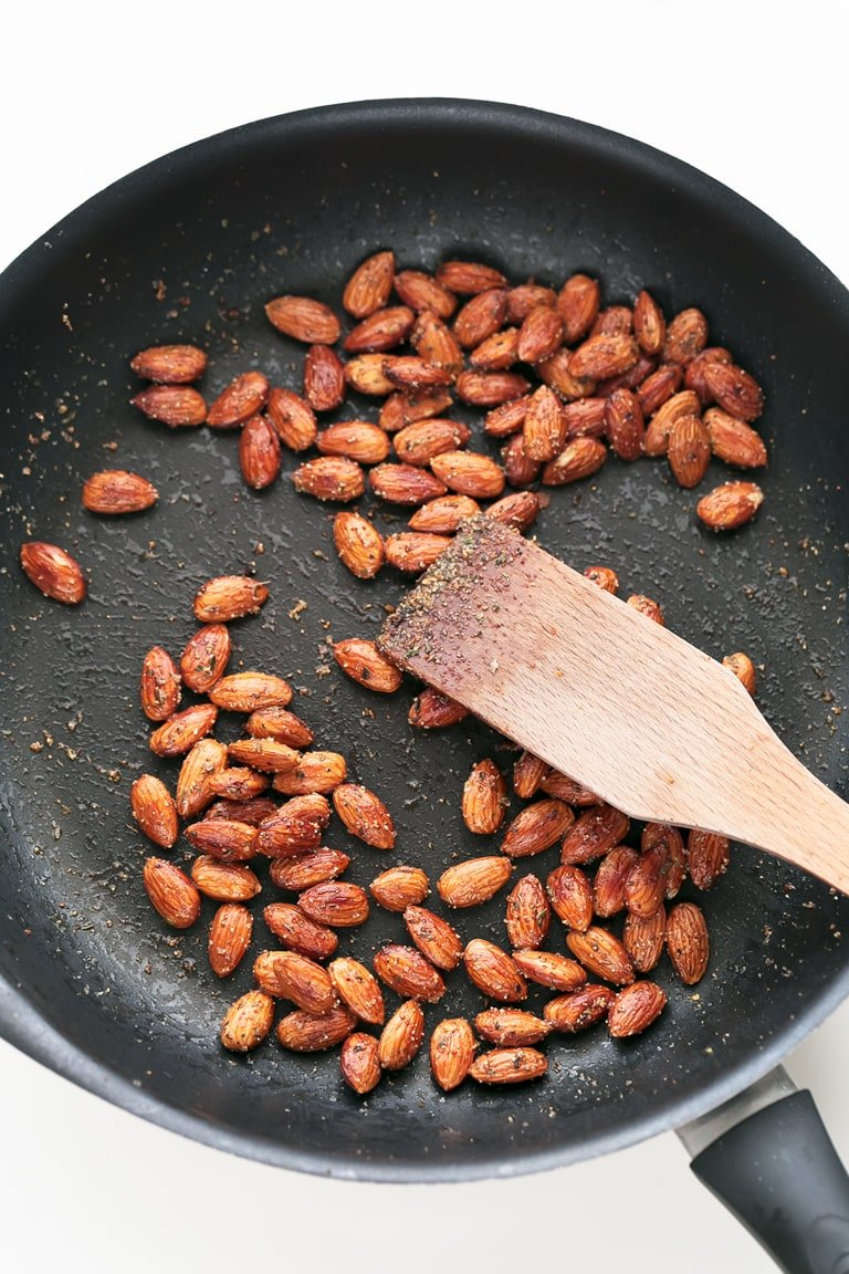 how to make spicy almonds
