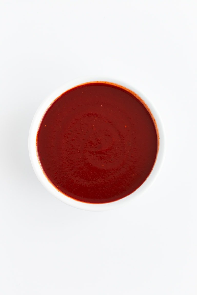 Healthy Barbecue Sauce - Homemade healthy barbecue sauce, made with just 10 ingredients in 20 minutes! Perfect for fries, burgers, marinades, dipping, grilling, and just about everything else. #vegan #glutenfree #simpleveganblog