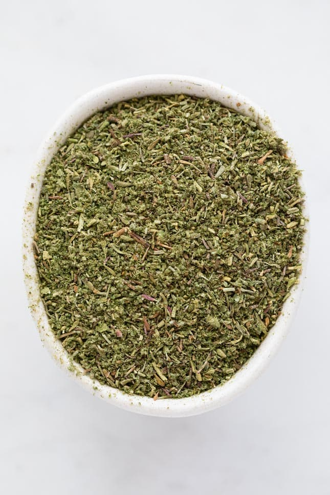 Photo of a bowl of poultry seasoning from above