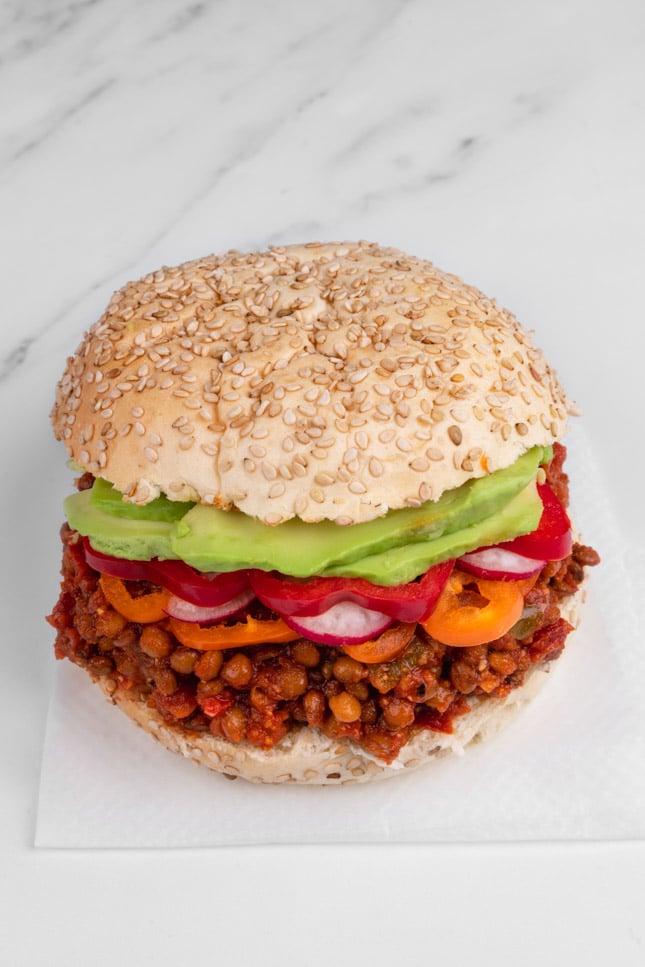 Photo of vegan sloppy joes served with hamburguer buns